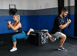 Brian Klepacki demonstrates one of his glute exercises